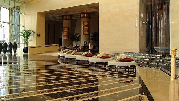 The Luxurious Raffles Dubai Hotel in Wafi City (13)