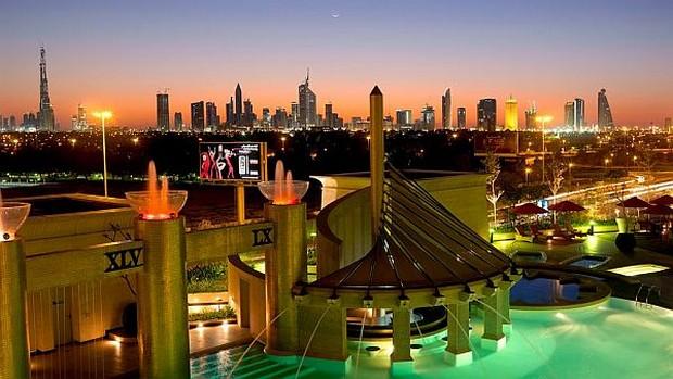 The Luxurious Raffles Dubai Hotel in Wafi City (3)