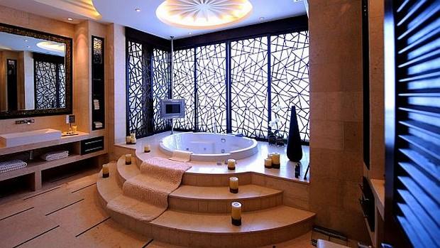 The Luxurious Raffles Dubai Hotel in Wafi City (4)