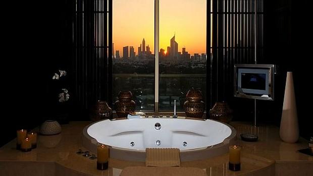 The Luxurious Raffles Dubai Hotel in Wafi City (5)