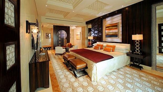 The Luxurious Raffles Dubai Hotel in Wafi City (8)