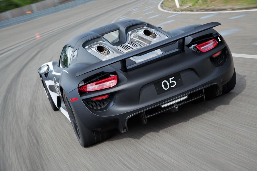 2014 Porsche 918 Hybrid Spyder (2)