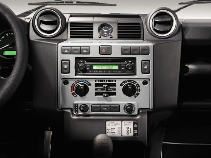 Land Rover Defender XTech (10)