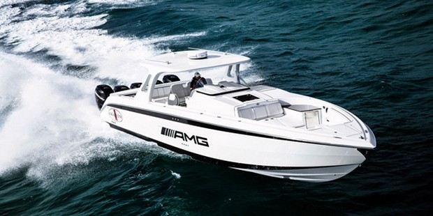 Cigarette Huntress Luxury Boat by Mercedes-Benz (14)