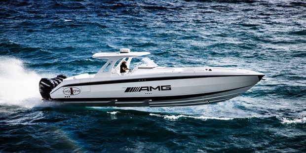Cigarette Huntress Luxury Boat by Mercedes-Benz (13)