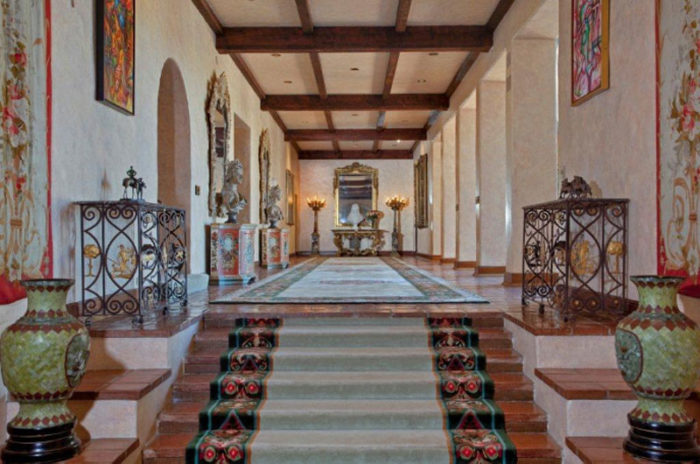 Opulent Beverly House Up for Rental (6)
