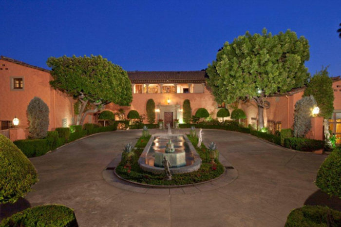 Opulent Beverly House Up for Rental (2)