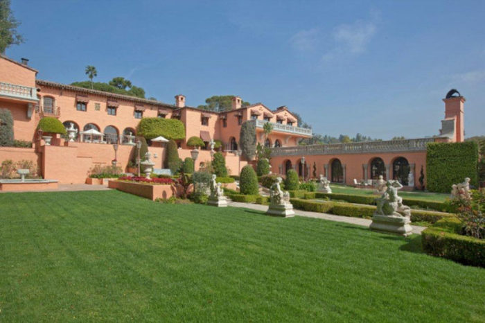 Opulent Beverly House Up for Rental (1)