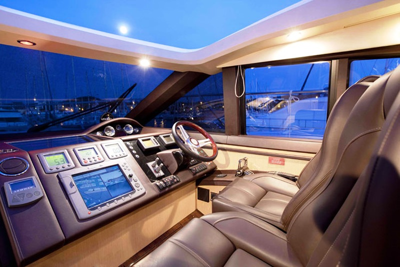Algandra V62 Luxury Yacht (2)