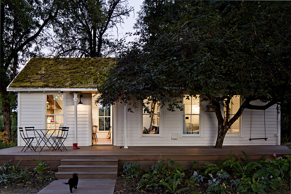 Restoration: Tiny House by Jessica Helgerson Interior Design
