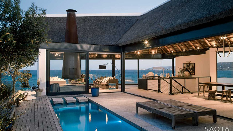 Incredible ZA Silver Bay House In Cape Town (11)