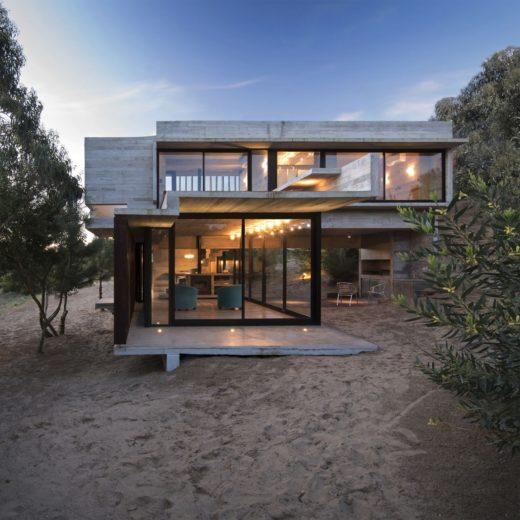 MR House In La Esmeralda, Argentina (2)