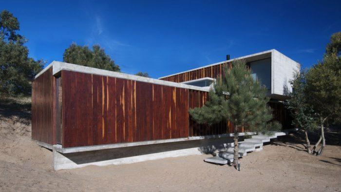 MR House In La Esmeralda, Argentina (14)