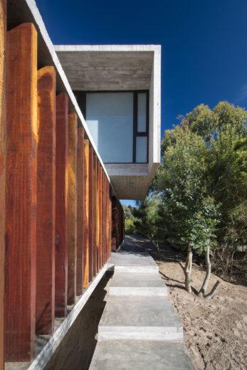 MR House In La Esmeralda, Argentina (13)