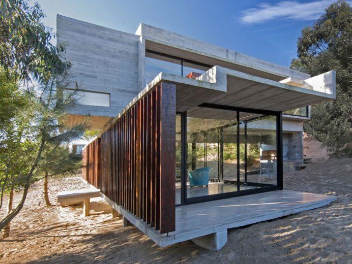MR House In La Esmeralda, Argentina (11)