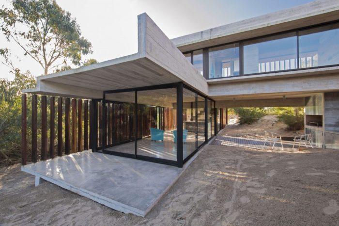 MR House In La Esmeralda, Argentina (10)