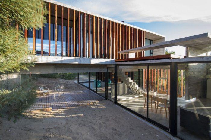 MR House In La Esmeralda, Argentina (8)