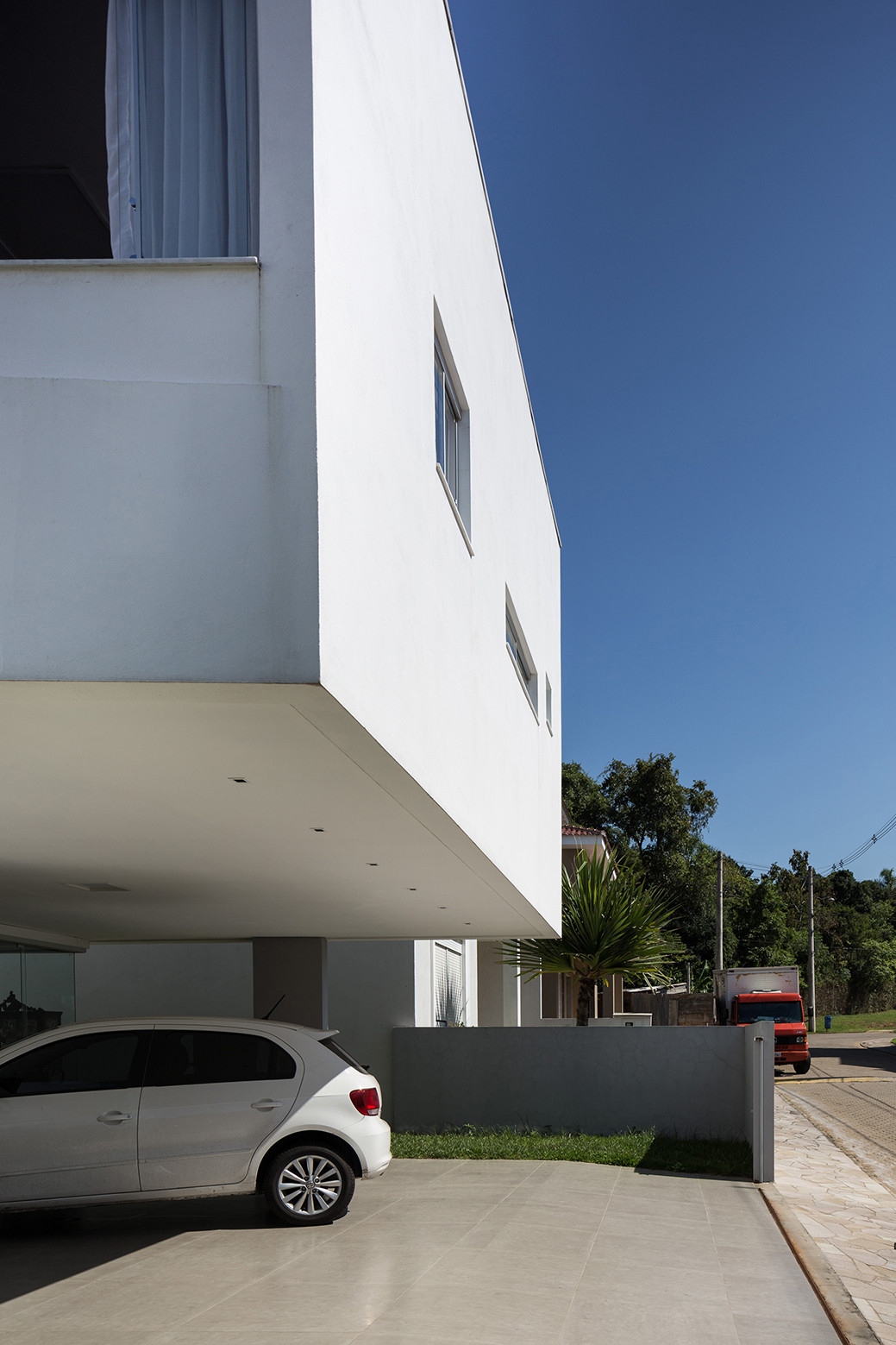 2V House In Porto Alegre, Brazil (5)