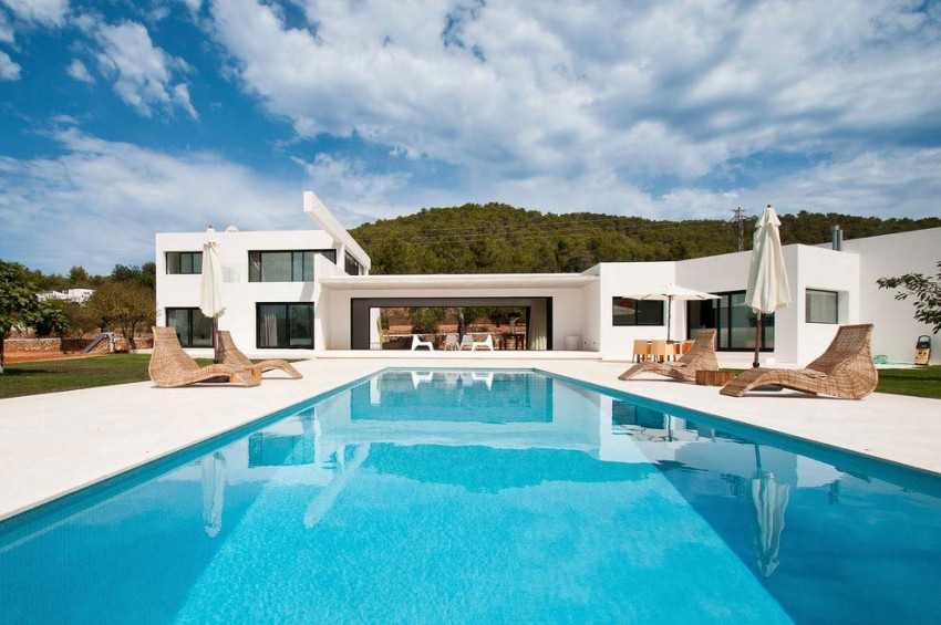 Can Pep de Sa Guaita Home In Ibiza, Spain (29)