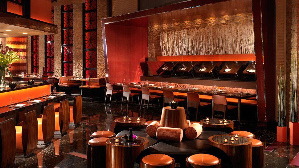Luxurious Red Rock Hotel In Las Vegas (6)