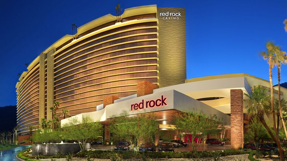 Luxurious Red Rock Hotel In Las Vegas (19)