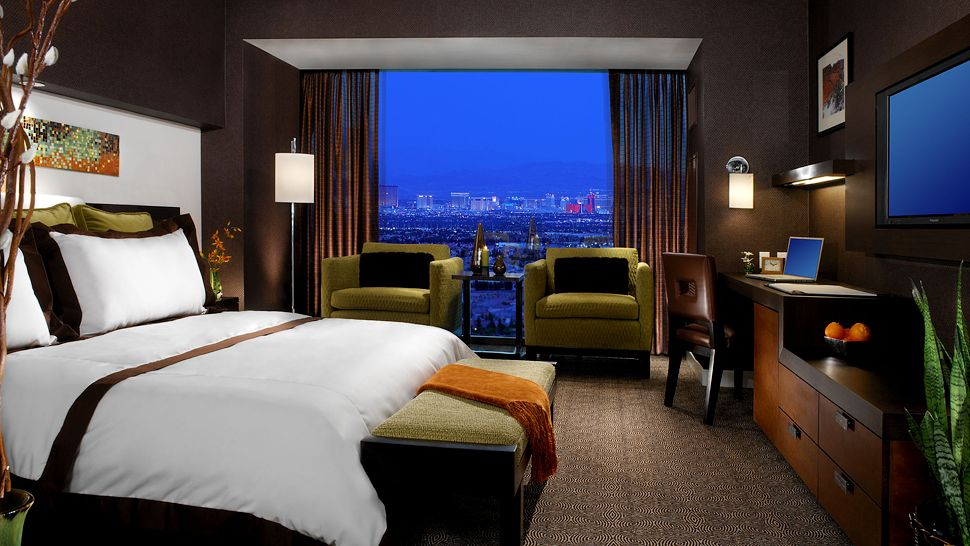 Luxurious Red Rock Hotel In Las Vegas (16)