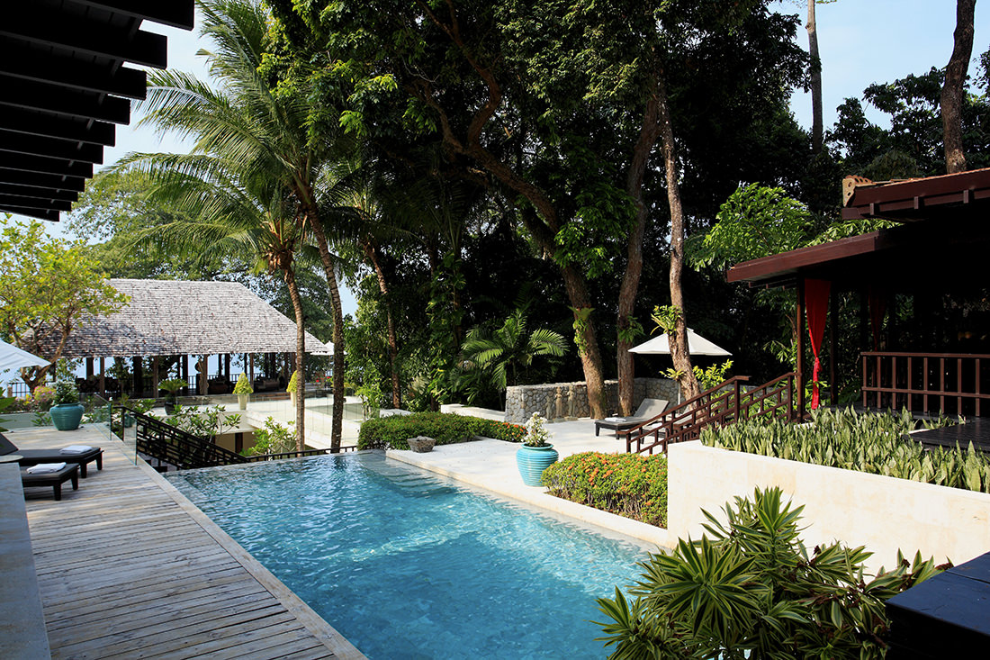 Tropical Absolute Oceanfront Villa in Nai Thon (8)