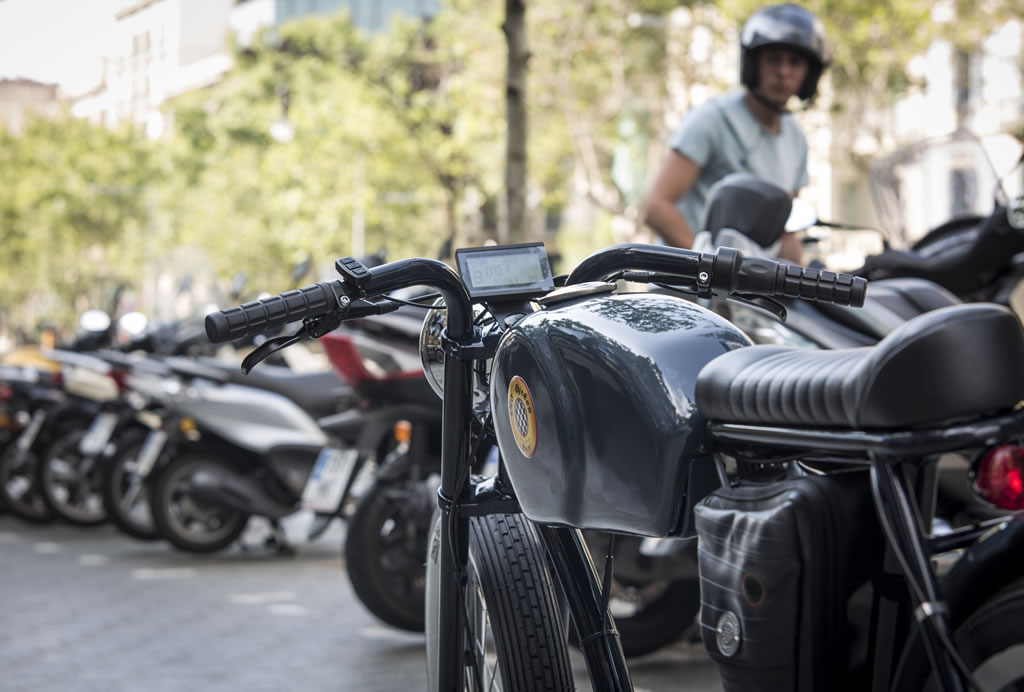 Cafe Racer-Inspired E-Bike By Otocycles (10)