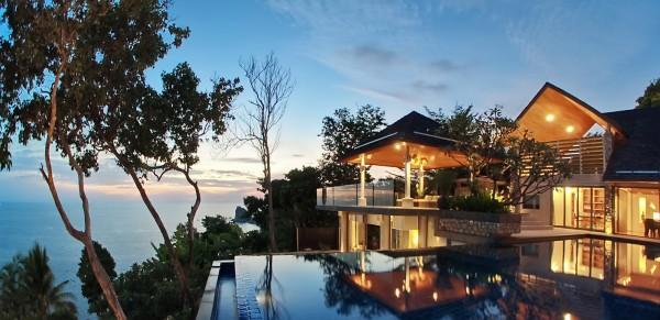 Extraordinary Direct Oceanfront Villa in Phuket (40)