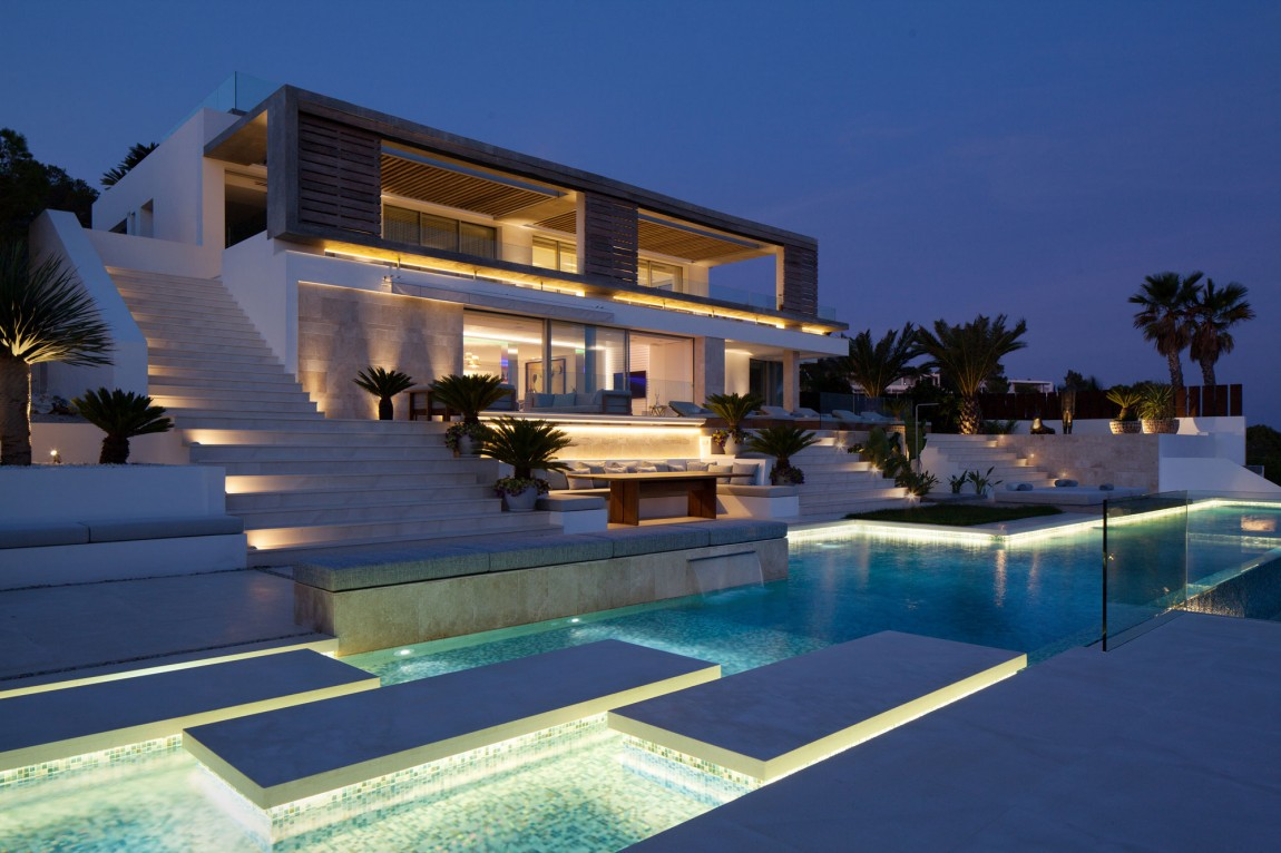 Fabulous Beach Villa in Ibiza, Spain (1)