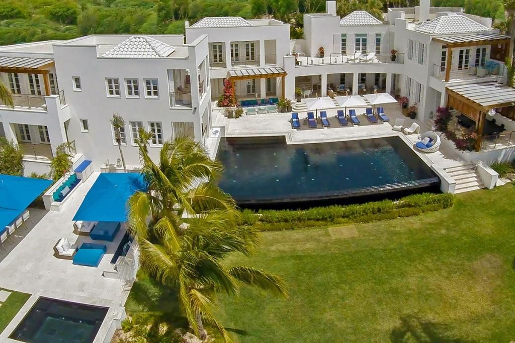 Mesmerizing Cerulean Villa In The Caribbean (30)