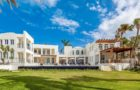 Mesmerizing Cerulean Villa In The Caribbean (29)