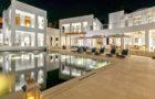 Mesmerizing Cerulean Villa In The Caribbean (25)