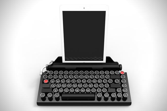 2822f202d51 QwerkyWriter Is An Amazing Retro iPad Keyboard (3)