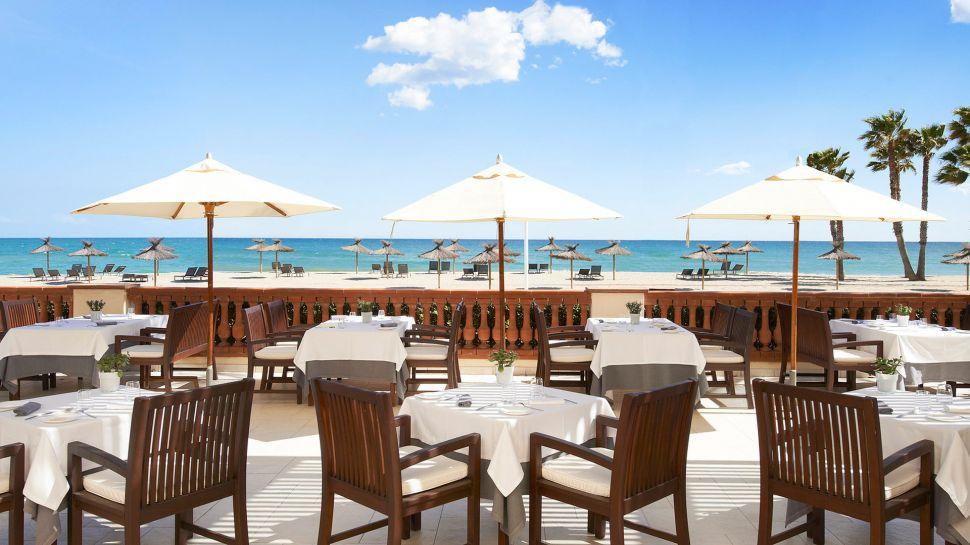 Dreamy Le Meridien Ra Beach Hotel & Spa (8)