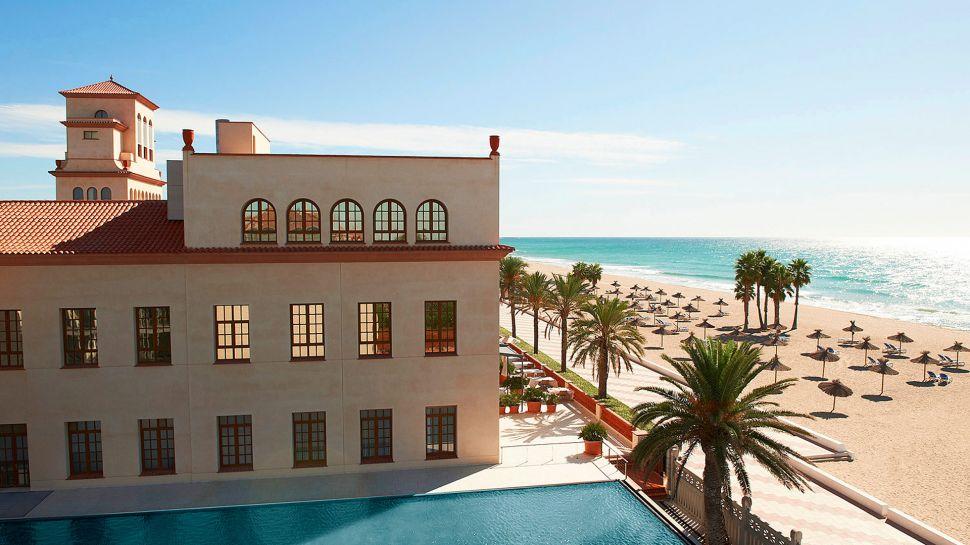 Dreamy Le Meridien Ra Beach Hotel & Spa (18)