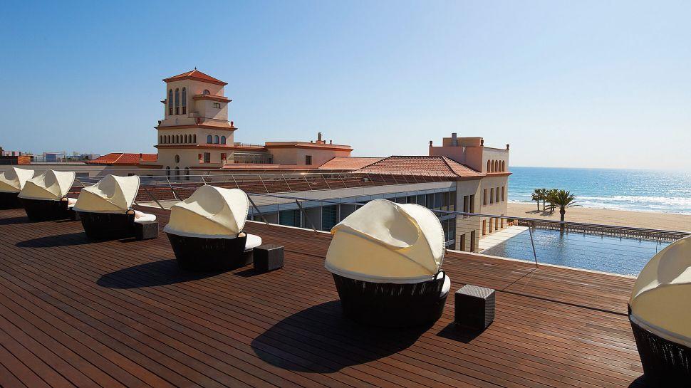 Dreamy Le Meridien Ra Beach Hotel & Spa (16)