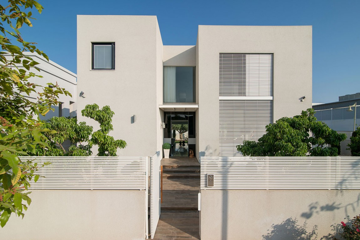 This Home In Bat Hadar, Israel Is Stunning (16)