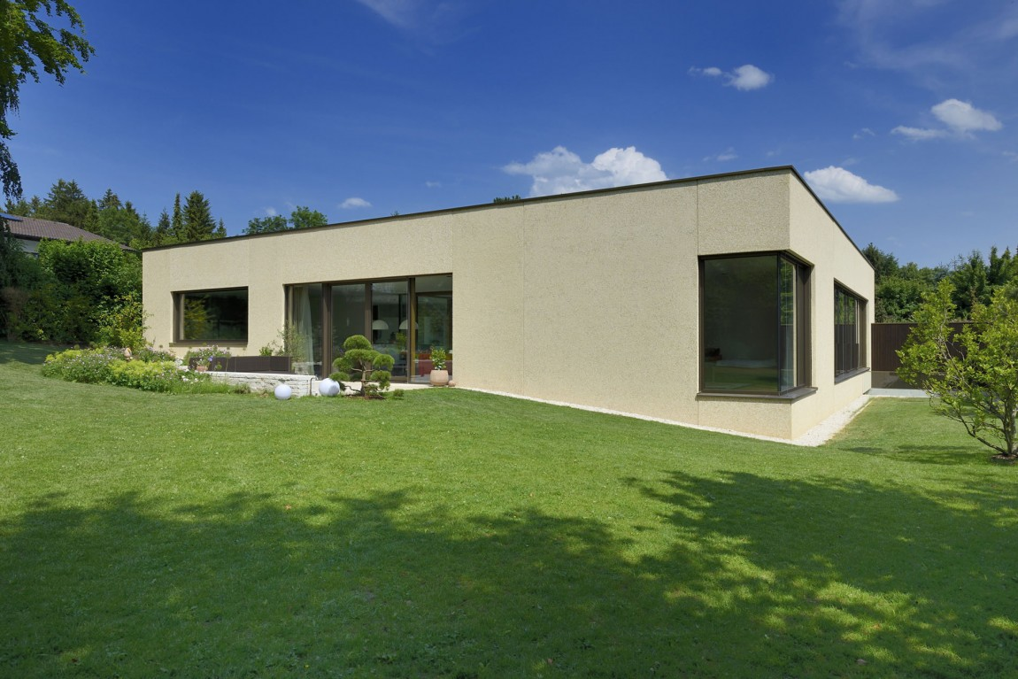 Modern Bavarian Residence Will Leave You Breathless (16)