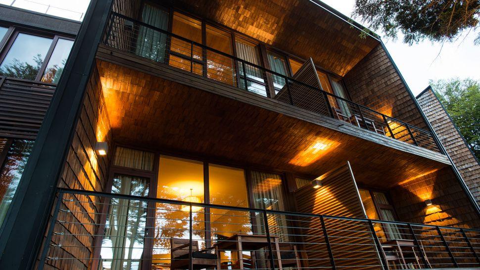 Exquisite Uman Lodge In Chile (1)