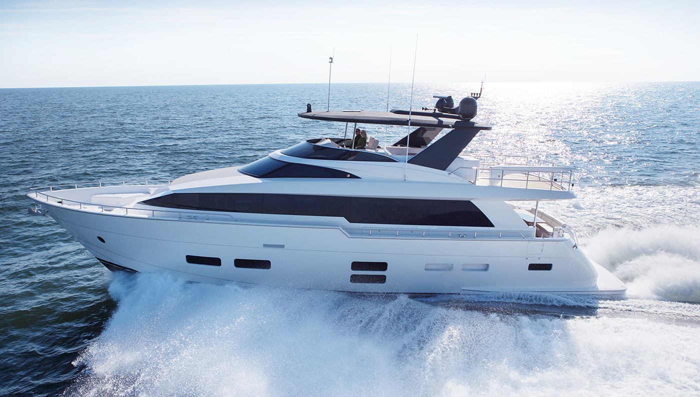 Fabulous Hatteras 70 Motor Yacht (10)