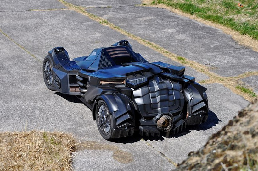 Breathtaking Arkham Car Is Based On A Lamborghini (11)