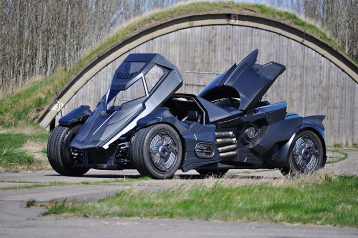Breathtaking Arkham Car Is Based On A Lamborghini (10)