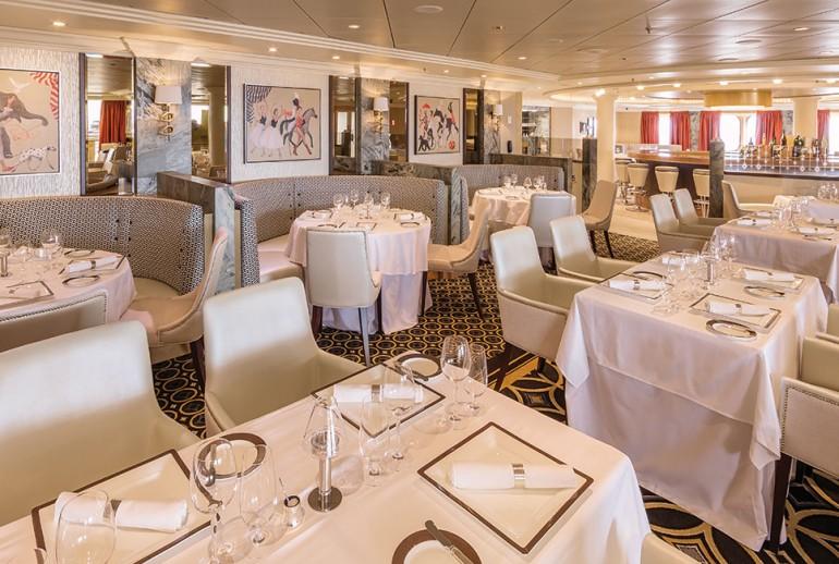 Lavish Queen Mary 2 Cruise Ship By Cunard 3