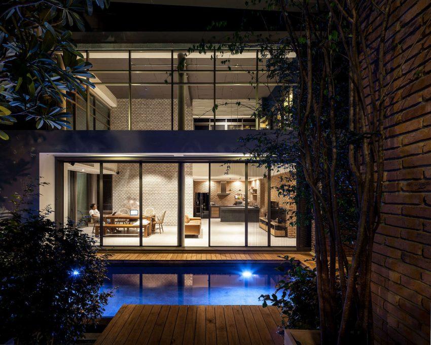 Two Houses at Nichada In Bangkok, Thailand (3)
