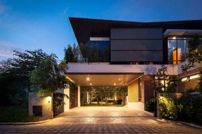 Two Houses at Nichada In Bangkok, Thailand (2)