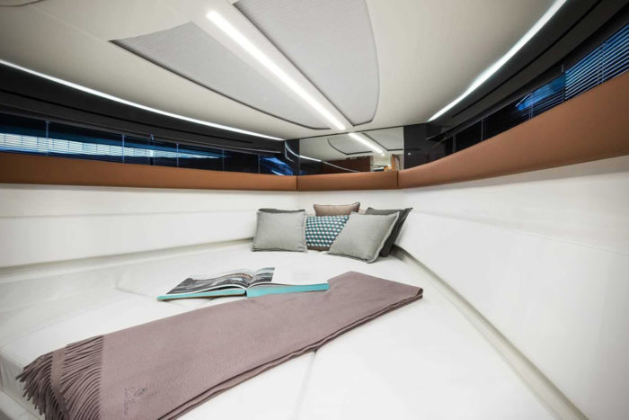Elegant And Powerful Riva Rivamare Speedboat 11