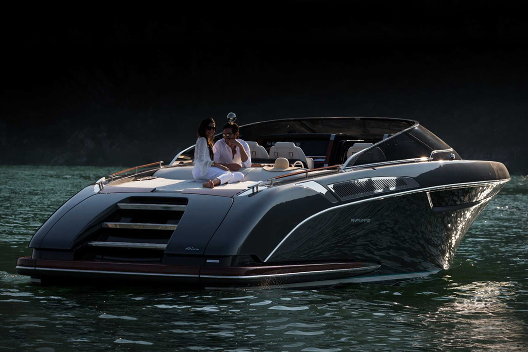 Elegant And Powerful Riva Rivamare Speedboat 12