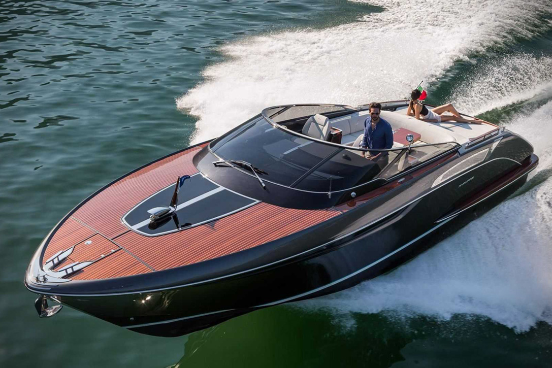 Elegant And Powerful Riva Rivamare Speedboat 2