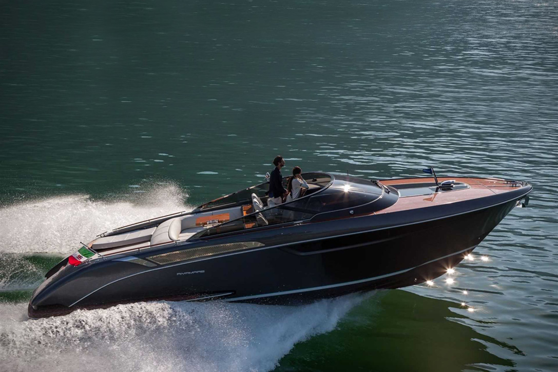 Elegant And Powerful Riva Rivamare Speedboat 4